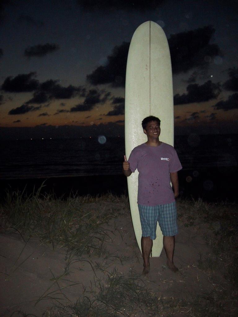 初ボーナスが全て消えたマメ増田シェイプロングボード。正直日本海の波には合ってなかったと思う。